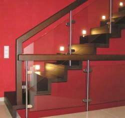Holz-Faltwerktreppe mit Edelstahl-Holz-Glasgeländer