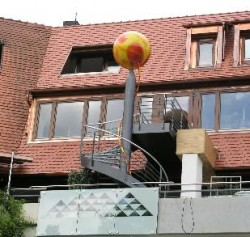 Stahlspindel-Außentreppe