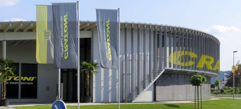 Bild des preisgekrönten Bauwerks der Firma Cratoni bei dem ITB die Metallbauarbeiten ausgeführt hat.